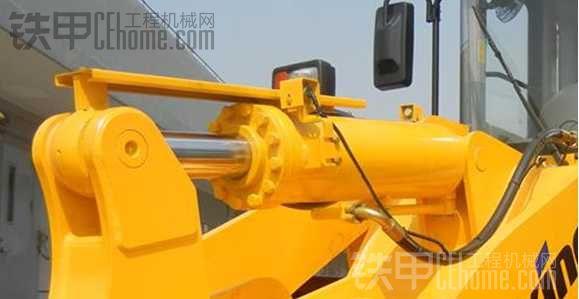 龙工CDM856装载机PK柳工856