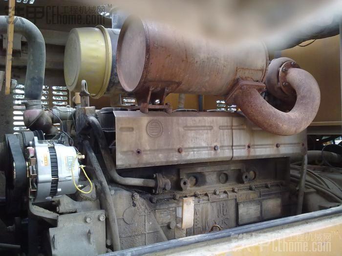 发动机整体,换了发电机,以前那个不给力,发电量不够,因为干活一会停一会打火,电瓶很容易亏电