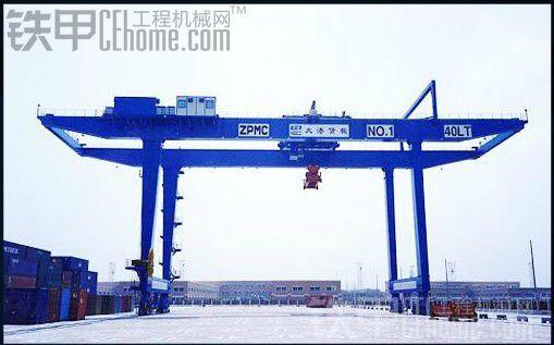 无题 港口机械 挖掘机图片