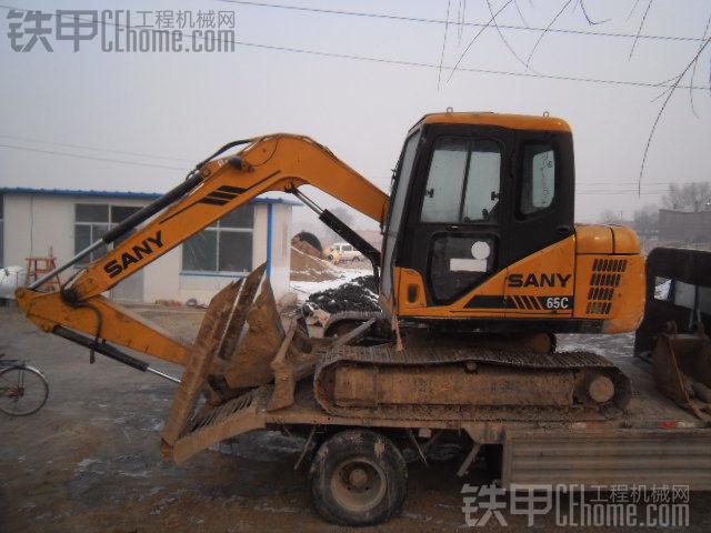 低价出售三一65挖掘机