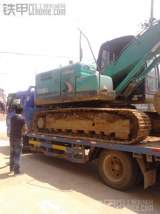 小挖机上拖车视频 图片 大挖机上拖车技巧视频 李小璐跳小苹果视频