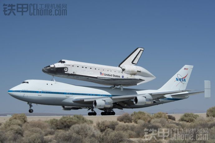 美国宇航局奋进号航天飞机退役(1)空中巡游