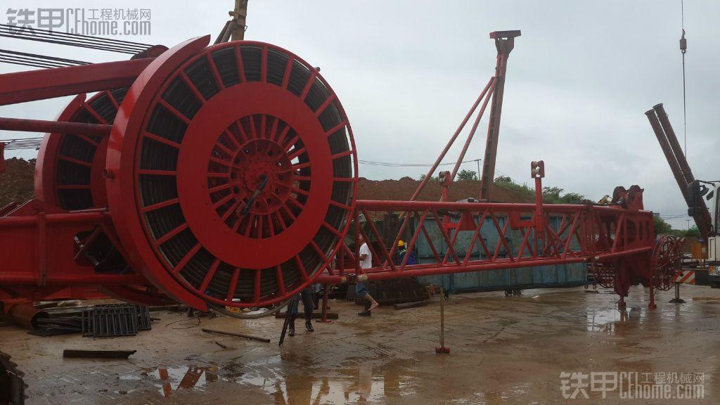 工地开工,150吨履带吊机进场!