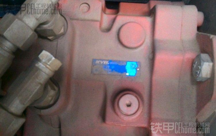 柳工906小挖改液压泵图片