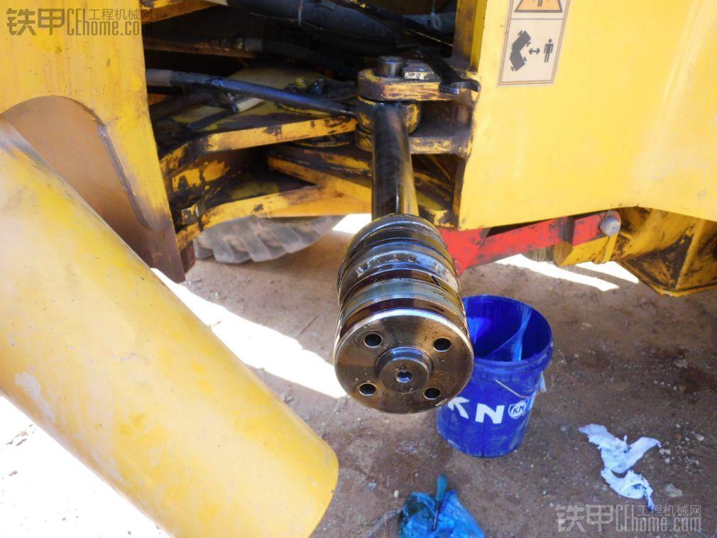 装载机油缸