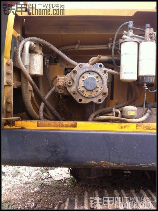 沃尔沃360液压泵高清图片